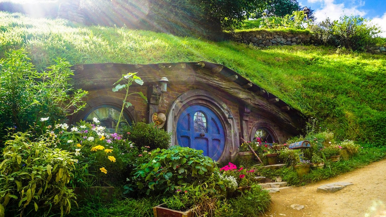 Hobbit House:red:2